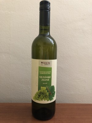 Hučko Veltlinské zelené slov.akostné odrodové víno suché 0,75l